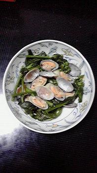 塚本さん宅のアサリとのらぼう菜の蒸し煮